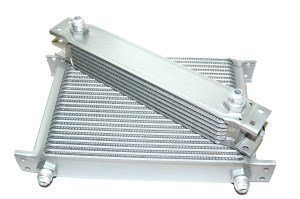 rp_oc_2.jpg Race.Fi 13-row oil cooler, an10